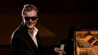 Derek Paravicini al piano (fotografía de Mario Forsos)