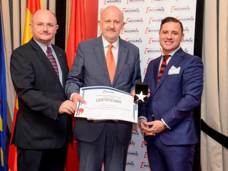Premio Estrella de Oro otorgado por el Instituto para la Excelencia Profesional